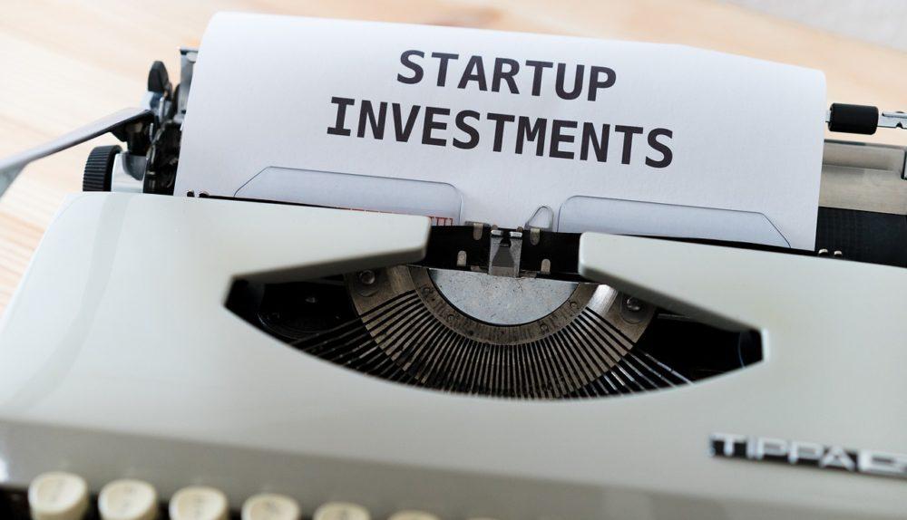 Mockup Typewriter Word Startup  - viarami / Pixabay